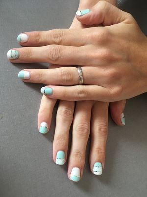 auxdoucheures-vernis-semi-permanent-bleu